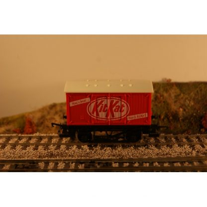 KitKat' Closed Van